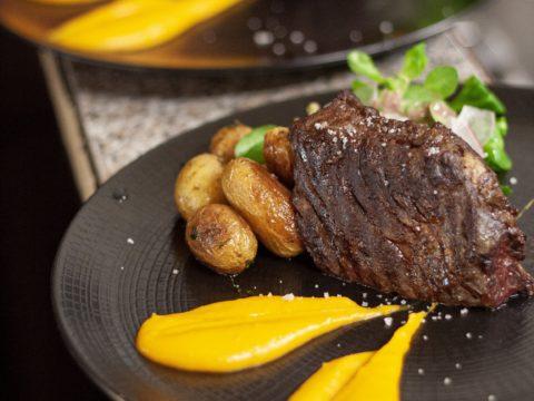 viande et pommes de terre à l'instinct gourmand Nantes
